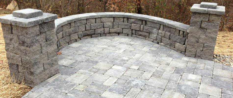 Custom patio and seating wall in Waterloo, IL.